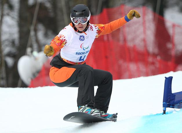 """Голландка Бибиан Ментель-Спе завоевала золотую медаль в соревнованиях по сноуборд-кроссу в категории """"стоя"""""""
