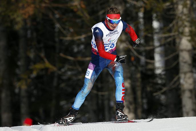 Лыжник Александр Проньков завоевал золотую медаль в лыжных гонках на дистанции 10 км