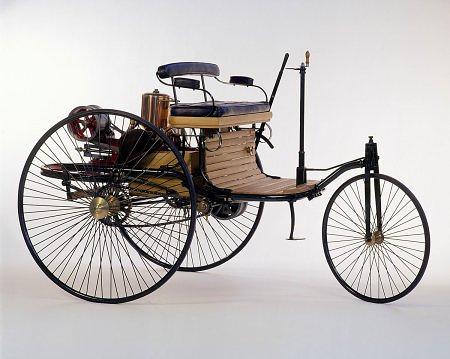 Первый в мире автомобиль Готлиба Даймлера