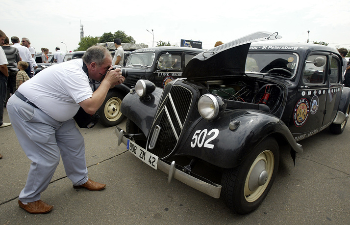 Первый серийный переднеприводный автомобиль Ситроен-Траксьон-аван