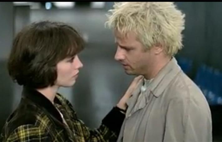 """Одной из первых успешных картин режиссера стала """"Подземка"""" (1985). В главных ролях - Кристофер Ламберт, Изабель Аджани"""