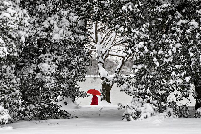 Основная функция ВМО – обеспечение безопасности  и благосостояния человека посредством предоставления краткосрочных и долгосрочных метеорологических прогнозов. На фото: снегопад в Вашингтоне