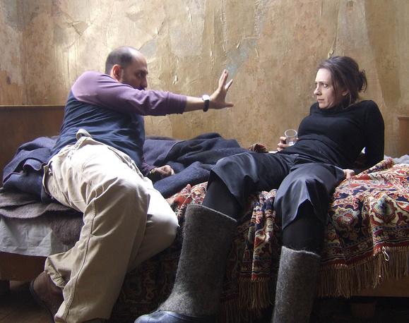 Ксения Раппопорт и режиссер Кирилл Серебренников во время съемок фильма «Юрьев день».