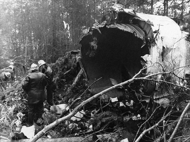 3 марта 1974 года близ аэропорта Орли (Париж, Франция) потерпел крушение DC-10 компании Turkish Airlines. Погибли 346 человек. Во время полета оторвалась дверь грузового отсека, что привело к разгерметизации салона и последующей потере управления