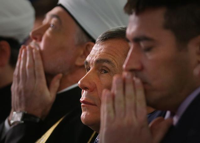Председатель совета муфтиев России Равиль Гайнутдин и президент республики Татарстан Рустам Минниханов (слева направо)
