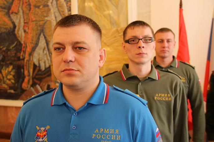 Поло из пике с погонами в Вооруженных силах РФ первыми надели офицеры Центрального регионального центра управления обороной РФ в Екатеринбурге