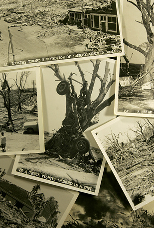 25-26 мая 1955 года 46 смерчей обрушились на Великие равнины и охватили территорию семи штатов. Погибли 102 человека. В Техасе ущерб составил $500 тыс., а в Канзасе и Арканзасе по $200 тыс. Общий ущерб не подсчитан
