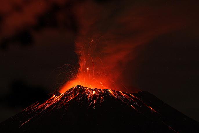 Вулкан Попокатепетль в Мексике, 2013 год