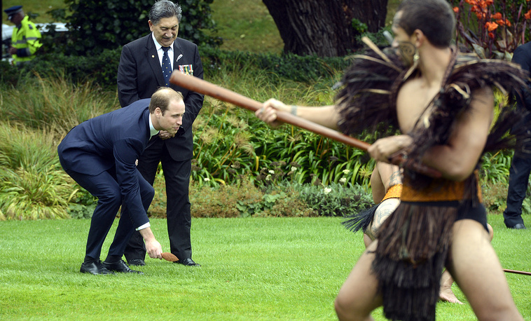 Принц Уильям во время приветственной церемонии