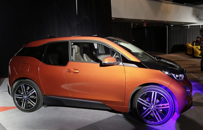 """Электромобиль BMW i3 победил в двух категориях - """"Лучший экологически чистый автомобиль"""" и """"Лучший дизайн"""""""