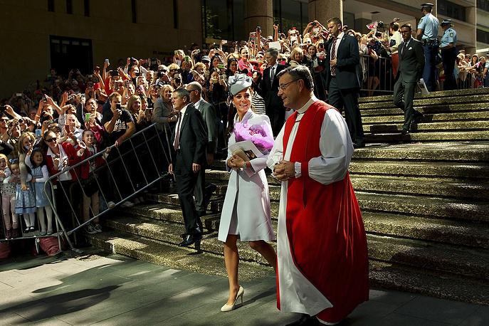 Герцогиня Кембриджская Кейт и архиепископ Сиднея Гленн Дэвис. Австралия