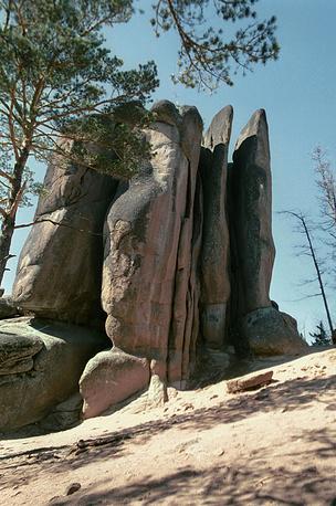 Природный заповедник Столбы в Красноярском крае в списке с 2007 года. На фото: скала Перья в заповеднике Столбы