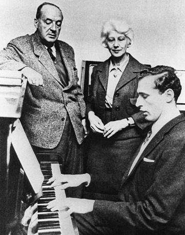 Владимир Набоков с супругой Верой Слоним и сыном Дмитрием, 1960-е годы