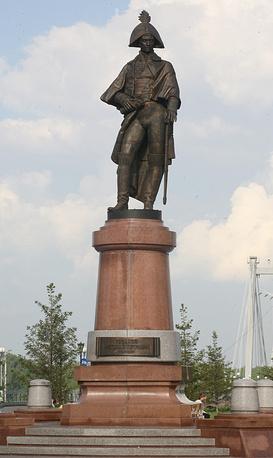 Памятник командору Николаю Резанову в Красноярске