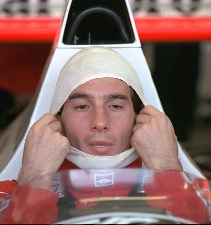 """В 1994 году начал выступления за команду """"Уильямс"""". В двух первых Гран-при выиграл квалификацию и стартовал с первой позиции, однако не финишировал. На фото: Гран-при Австралии, 1989 год"""