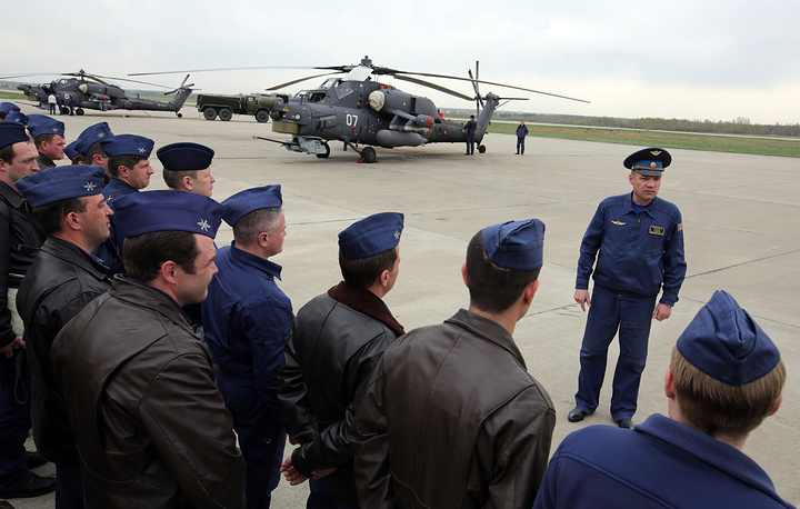 Тренировка авиации прошла совместно с тренировкой пеших парадных расчетов и механизированной колонной