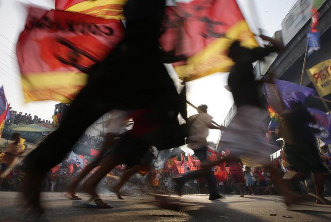 Марши протеста в столице Филиппин Маниле проводились против коррупции в стране, а также с требованием улучшить условия труда и повысить заработную плату