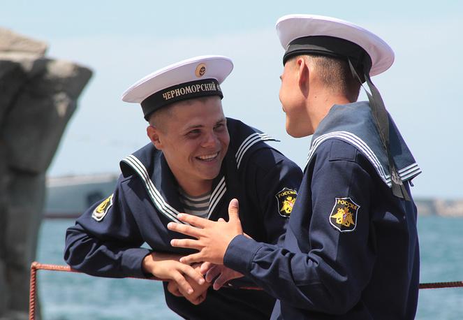 Репетиция военно-морского парада ко Дню ВМФ России в Севастополе