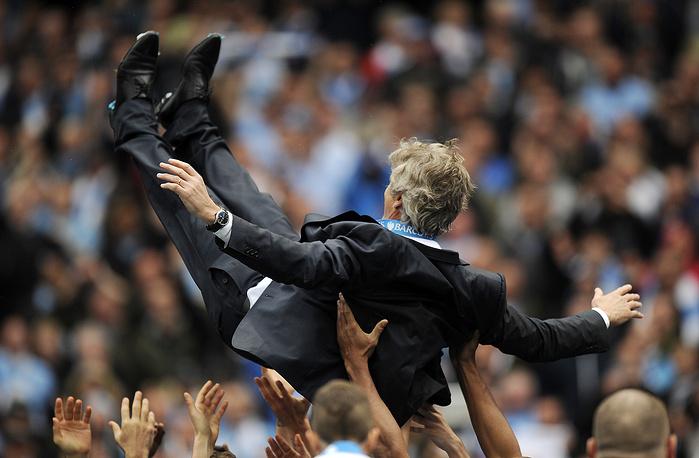 """Мануэль Пеллегрини в первый же год у руля """"Манчестер Сити"""" вернул команду на первую строчку в турнирной таблице"""
