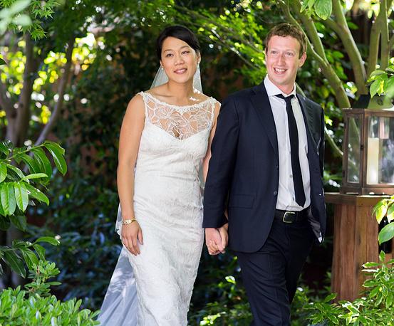 19 мая 2012 года Марк Цукерберг женился на Присцилле Чан. Свадьба была приурочена к получению Присциллой докторской степени по медицине