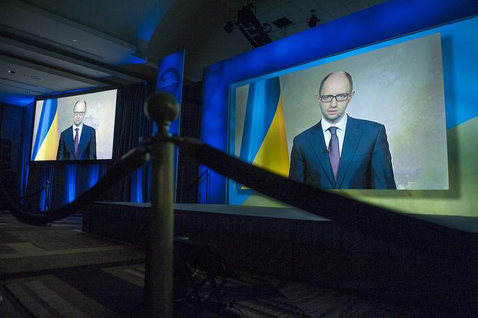 """Назначенный Верховной радой премьер-министром Украины Арсений Яценюк считает, что на президентских выборах обеспечена """"широкая политическая конкуренция"""". """"Люди могут избирать любую политическую идеологию, любых кандидатов"""", - заверил он"""