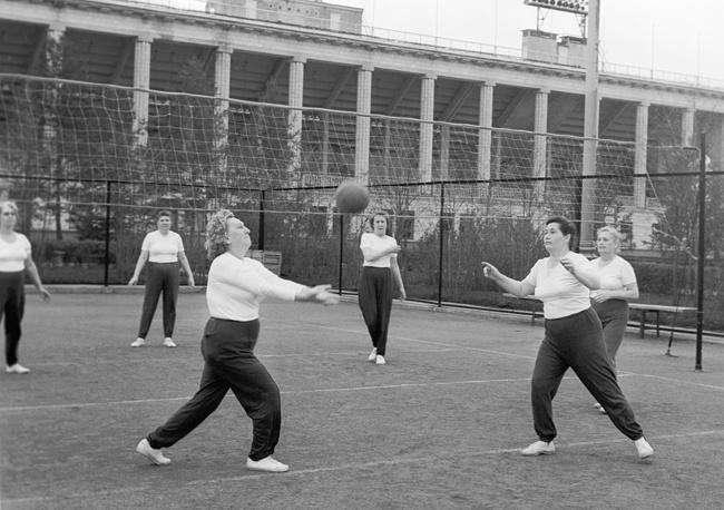 Центральный стадион имени В. И. Ленина. Занятия в группе общей физической подготовки, 1982 год