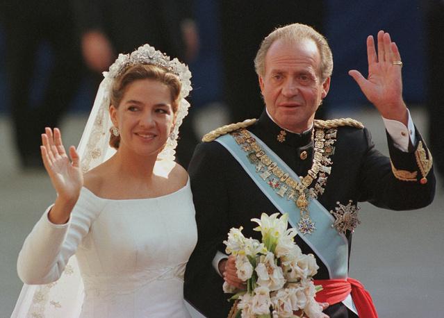 Инфанта Кристина с королем Хуаном Карлосом I в день своей свадьбы, 1997 год