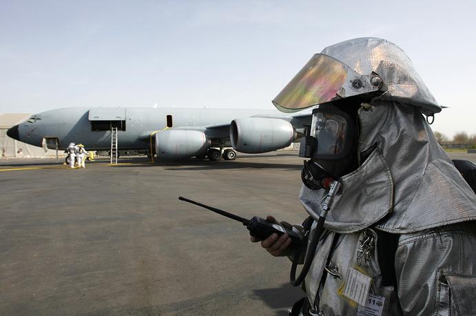 19 февраля 2009 года парламент Киргизии денонсировал соглашения с США о пребывании авиабазы Манас на территории республики, 20 февраля президент Киргизии подписал соответствующий закон