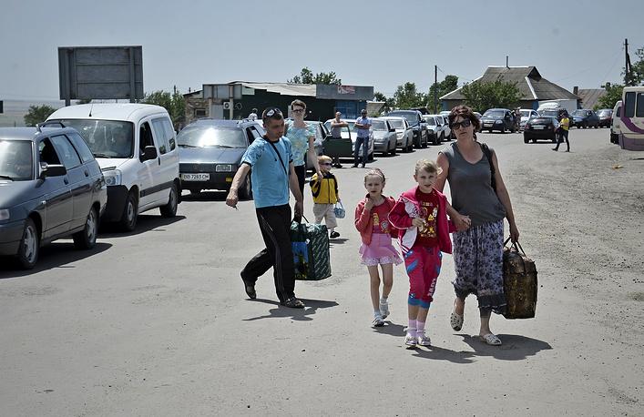 Украинские беженцы переходят в Россию и на участке границы с Белгородской областью