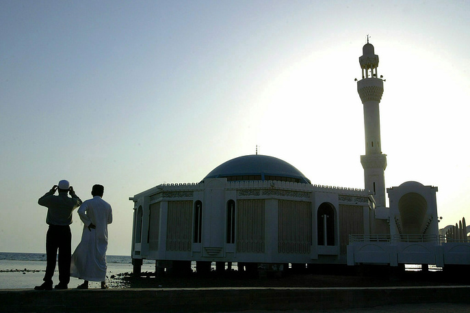Для мусульман-паломников, совершающих хадж, Джидда стал своеобразными воротами в Мекку и Медину