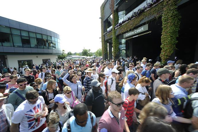 Главной ареной Wimbledon является Центральный корт, где традиционно проходят основные матчи турнира, в том числе финальный. Интересно, что стадион, вмещающий 15 тыс. зрителей, используют только две недели в году, во время проведения чемпионата