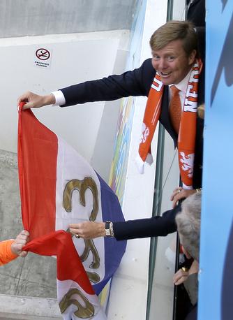 Король Нидерландов Виллем-Александр (на фото) и королева Максима болели за сборную в матче против Австралии