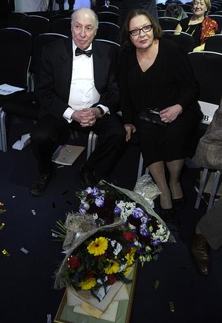 Актер Сергей Юрский с супругой актрисой Натальей Теняковой на церемонии вручения XVII международной Премии Станиславского, 2013 год
