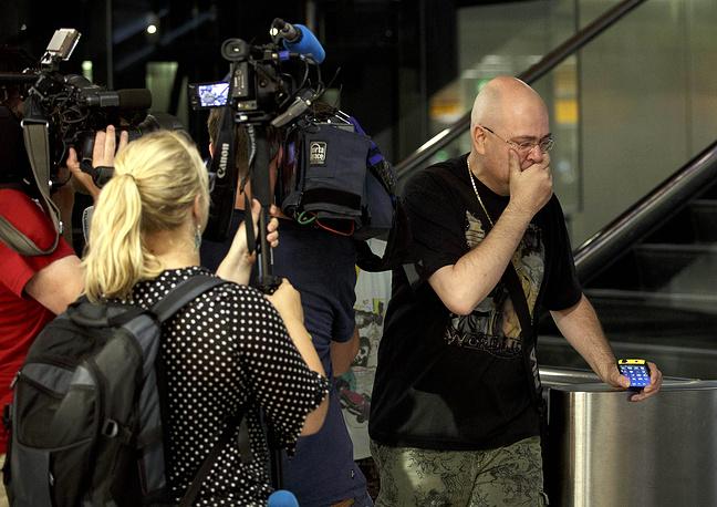 В аэропорту Схипхол в Амстердаме собираются родственники погибших