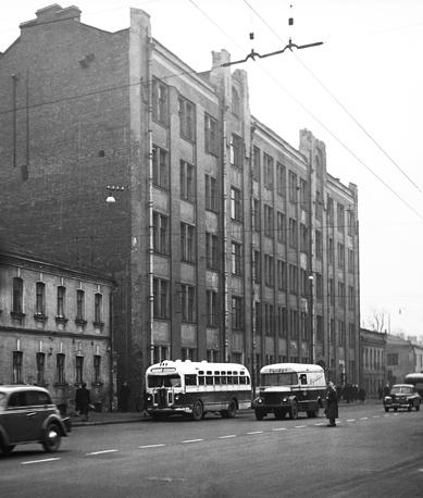 Валовая улица, 1955 год