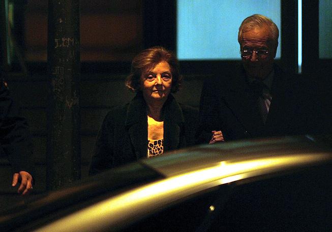 Мария Эстела Мартинес де Перон - первая в мире женщина-президент. Она возглавила Аргентину после смерти супруга, президента Хуана Перона, 1 июля 1974 года. На посту она пробыла меньше двух лет: 24 марта 1976 года Перон была смещена в ходе военного переворота