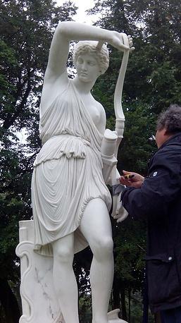 Реставрация скульптуры Амазонки