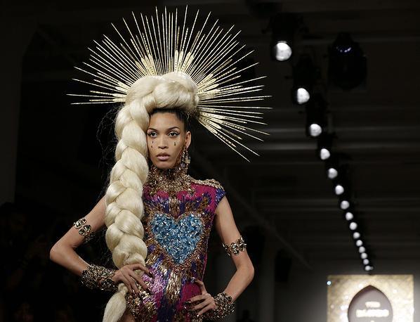 Показ коллекции марки The Blonds на Неделе моды в Нью-Йорке