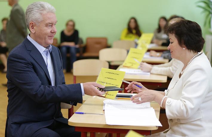 В Москве состоялись выборы в Мосгордуму VI созыва. Мэр Сергей Собянин проголосовал на избирательном участке №90