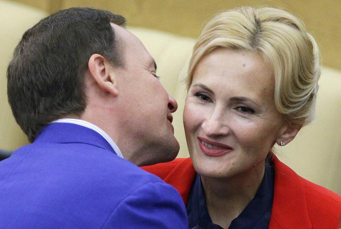 Зампред комитета по ЖКХ Александр Сидякин и глава комитета по безопасности Ирина Яровая