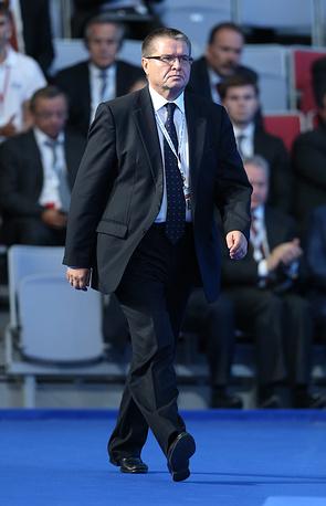 Деньги, которые выделяются из Фонда национального благосостояния и вкладываются в крупные инфраструктурные проекты, должны быть застрахованы, заявил министр экономического развития Алексей Улюкаев