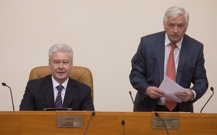 Состав парламента обновился на 60%, при этом на 20% дума состоит из независимых депутатов. На фото: мэр Москвы Сергей Собянин и глава Мосгоризбиркома Валентин Горбунов