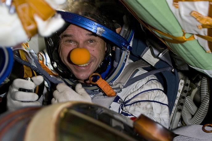Самый дорогой и недоступный вид туризма - космический. С тех пор как 28 апреля 2001 года американский мультимиллионер Деннис Тито стал первым в мире космическим туристом, стоимость такого тура составляет от $20 млн до $40 млн. На фото: основатель Cirque du Soleil Ги Лалиберте, побывавший на МКС с 2 по 8 октября 2009 года