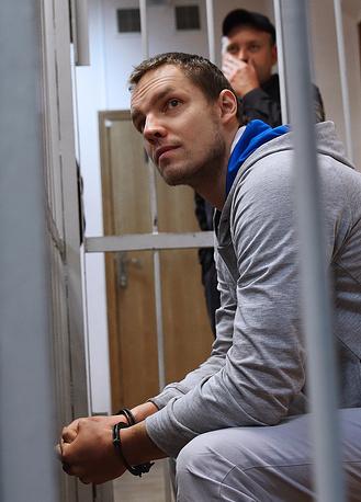 10 октября Замоскворецкий суд Москвы приговорил Дмитрия Ишевского к 3,2 года колонии за сопротивление полиции и участие в беспорядках на Болотной площади в Москве 6 мая 2012 года