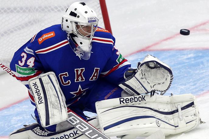 Вратарь СКА Евгений Иванников