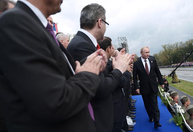 """Президент России Владимир Путин на военном параде """"Шаг победителя"""""""
