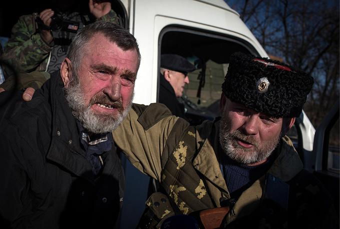 Процесс обмена происходил на украинском блокпосту в районе населенного пункта Счастье к северу от Луганска