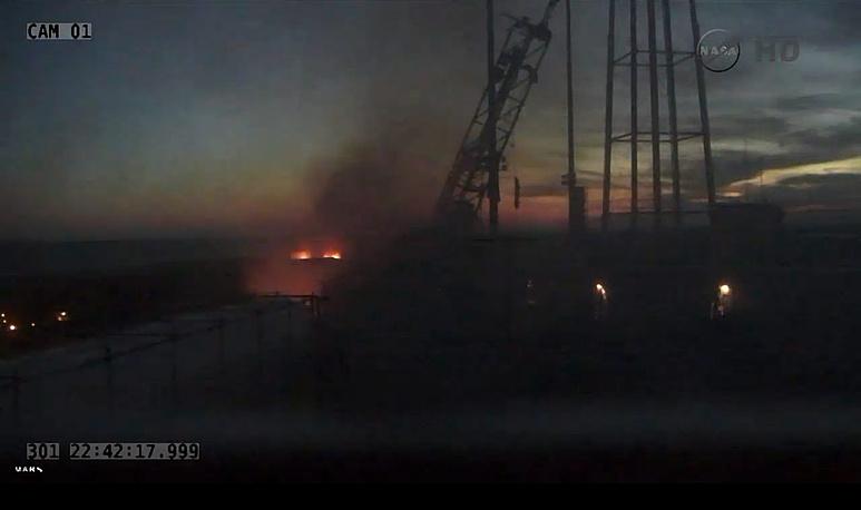 Пуск ракеты транслировался на сайте NASA в прямом эфире. Взрыв произошел сразу после старта в 18.23 по местному времени (01.23 мск 29 октября)