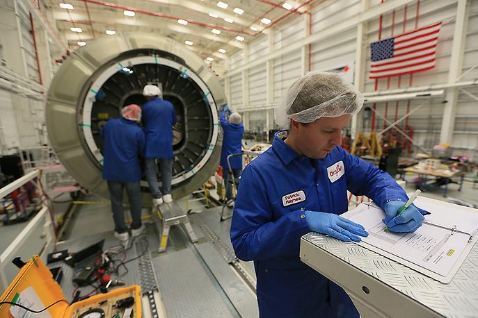 В прошлом году ракета успешно осуществила первый пробный полет Cygnus к МКС, после чего NASA подписало с компанией контракт на $1,9 млрд на восемь запусков космического грузовика в течение трех лет