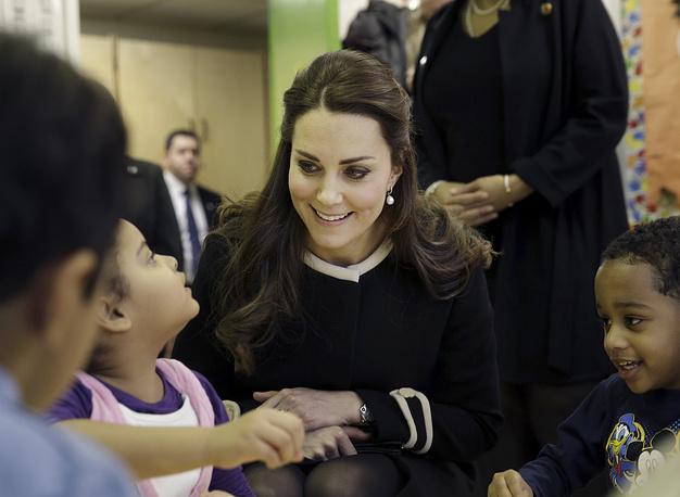 С воспитанниками детского сада в центре детского развития в Нью-Йорке, 8 декабря 2014 года